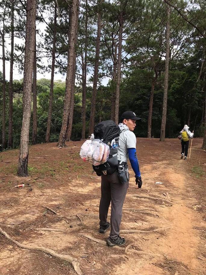 Tìm thấy thi thể nghi phượt thủ mất tích ở vùng núi Tà Năng – Phan Dũng - Ảnh 1.