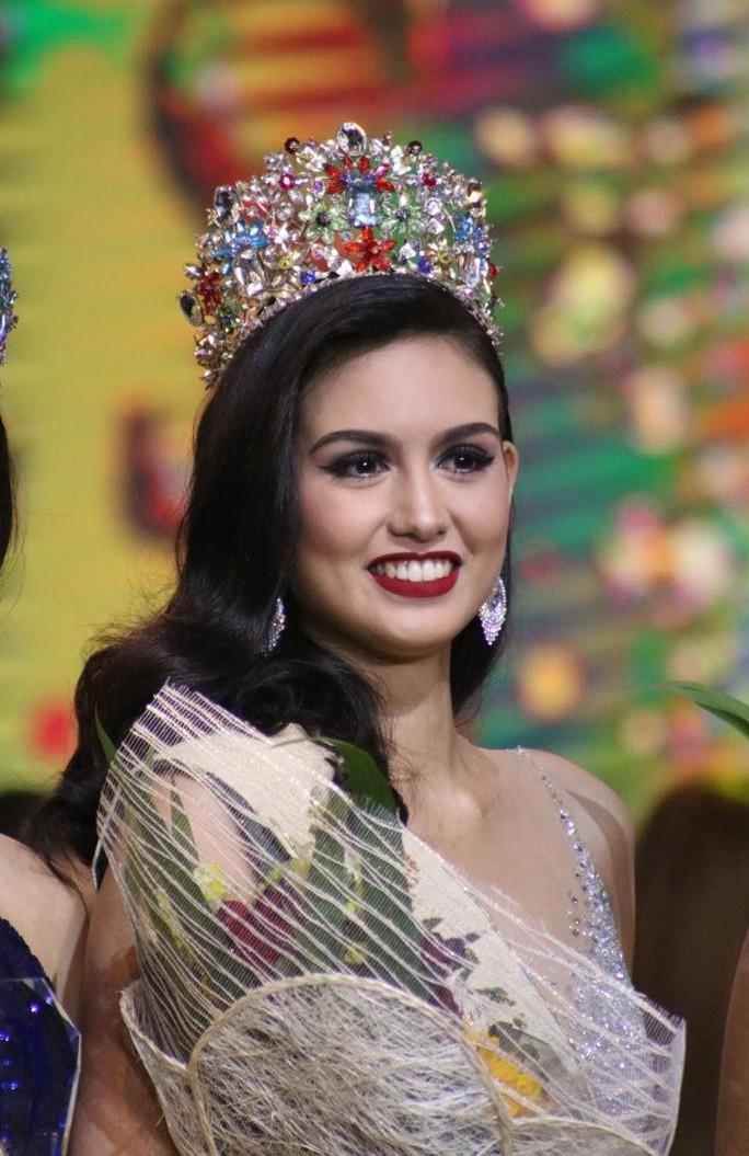 Nhan sắc mê hồn của tân Hoa hậu Trái đất Philippines - Ảnh 2.