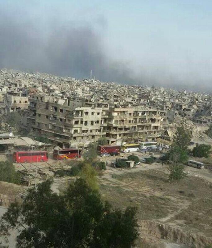 Syria quyết nghiền nát IS ở Damacus - Ảnh 2.