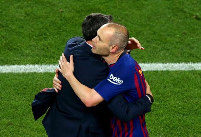 Coutinho lập siêu phẩm, Barcelona chia tay huyền thoại - Ảnh 8.