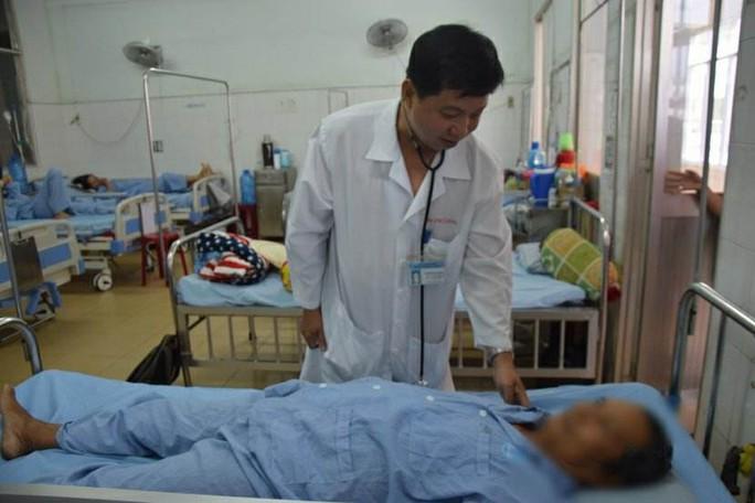 Nghẹt thở phẫu thuật cho bệnh nhân bị u gan, chảy máu trong ổ bụng - Ảnh 1.