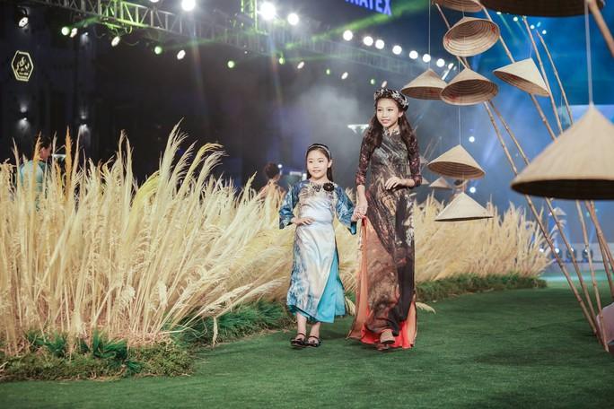 13 tuổi, mẫu nhí Việt đăng quang Hoa hậu Hoàn vũ nhí 2018 - Ảnh 6.