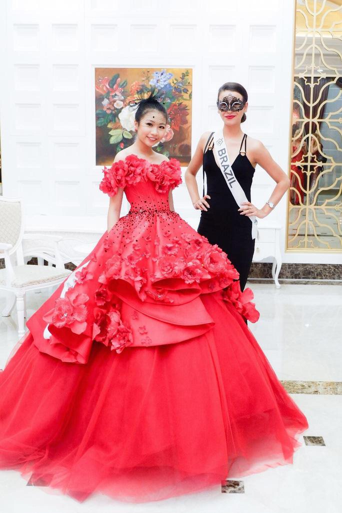 13 tuổi, mẫu nhí Việt đăng quang Hoa hậu Hoàn vũ nhí 2018 - Ảnh 4.