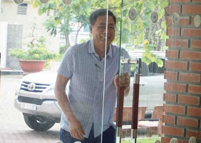 Sau cuộc họp đầy dung tục của quan chức VFF và VPF: Ông Trần Mạnh Hùng từ chức - Ảnh 2.
