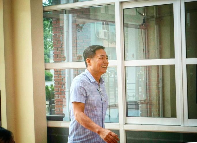 Ông Trần Mạnh Hùng từ chức: Chưa đủ! - Ảnh 1.
