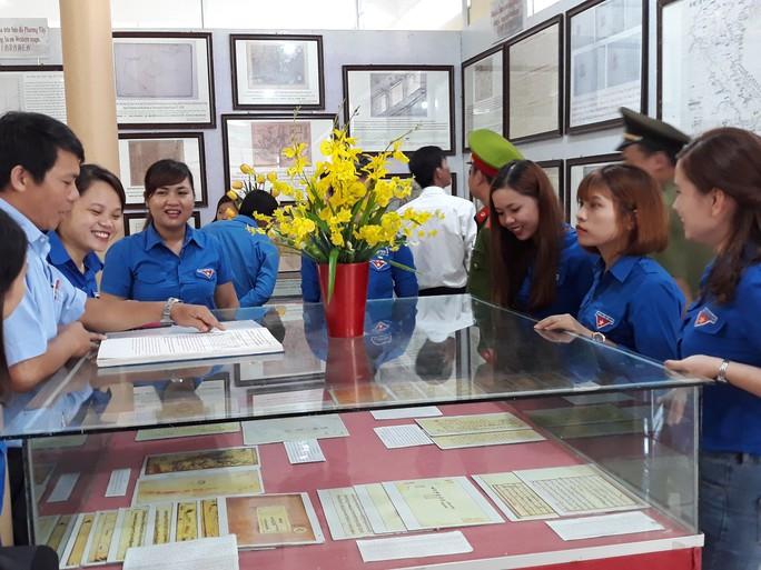 Triển lãm bản đồ, tư liệu khẳng định Hoàng Sa, Trường Sa của Việt Nam - Ảnh 2.