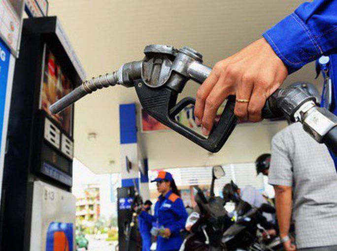 Giá xăng dầu đồng loạt tăng từ 500-700 đồng/lít - Ảnh 1.