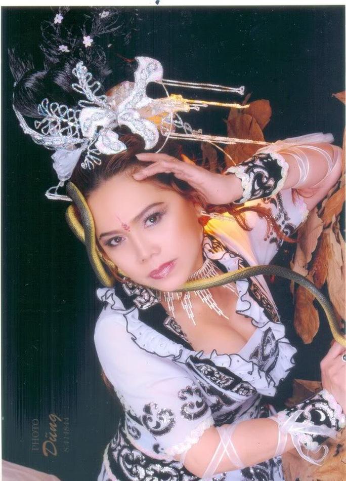 Cô Tấm Bạch Lan của gia tộc Huỳnh Long qua đời - Ảnh 1.
