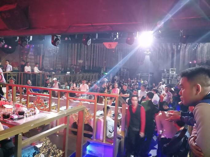 DC Club trên đường Cống Quỳnh để khách mặc sức thác loạn - Ảnh 2.