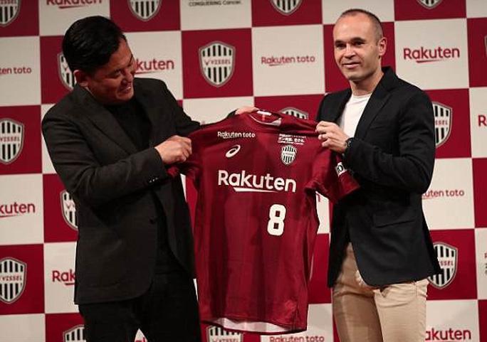 Andres Iniesta gia nhập J-League, nhận lương khủng 75 triệu euro - Ảnh 1.