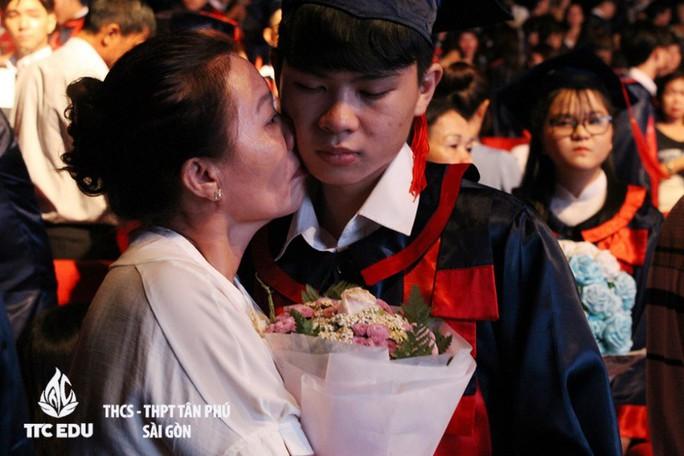 Lễ tri ân và trưởng thành của học sinh trường THCS - THPT Tân Phú - Ảnh 3.