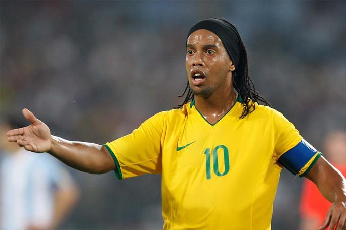 Ronaldinho đối mặt 10 năm tù vì nghi án rửa tiền - Ảnh 2.