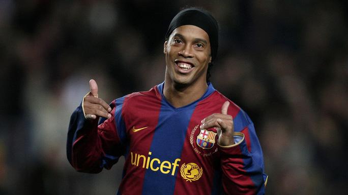 Ronaldinho đối mặt 10 năm tù vì nghi án rửa tiền - Ảnh 1.