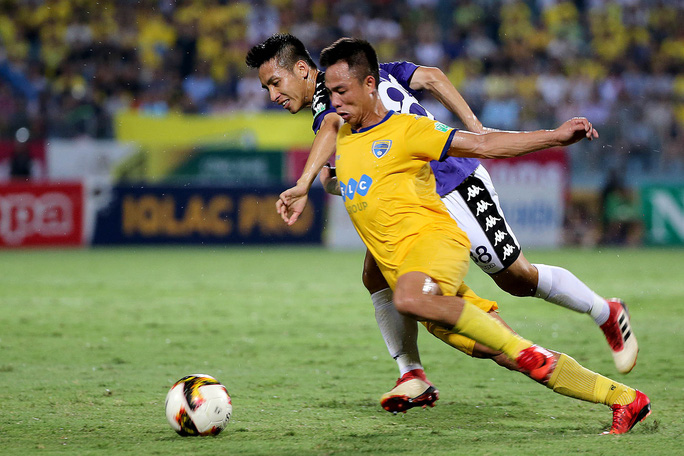 Hà Nội thắng FLC Thanh Hóa trong trận cầu kinh điển - Ảnh 1.