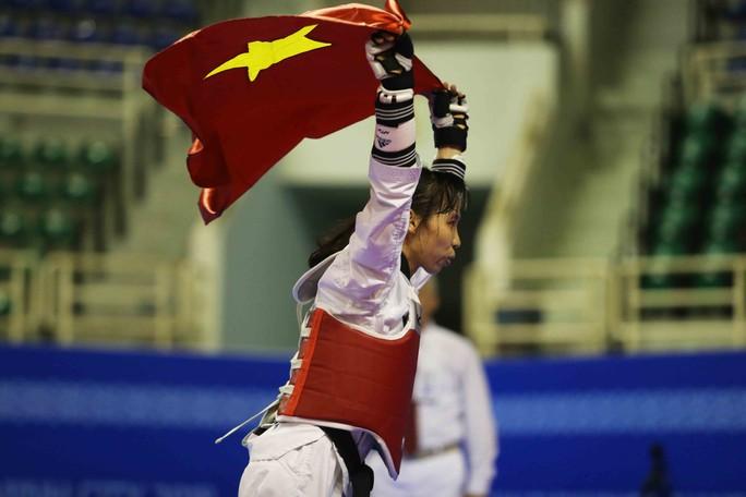 Thắng Thái Lan, Kim Tuyền giành HCV đối kháng châu Á cho taekwondo Việt Nam - Ảnh 2.
