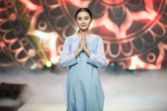 Lạ mắt, tinh tế thời trang Phật tử - Ảnh 3.