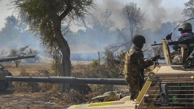Nigeria: Quân đội bị tố cứu dân để…cưỡng hiếp và bỏ đói - Ảnh 1.