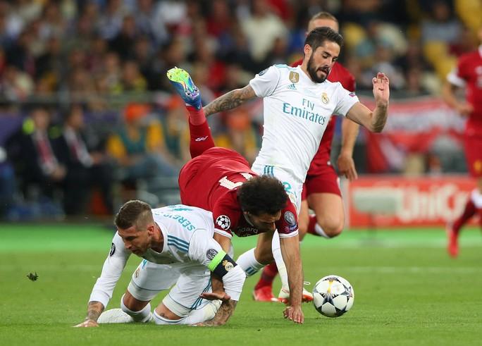Ramos có cố ý triệt hạ Salah? - Ảnh 6.