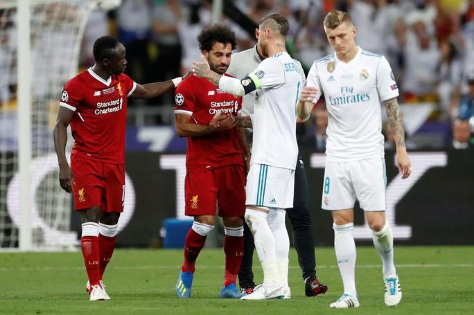 Ramos có cố ý triệt hạ Salah? - Ảnh 3.