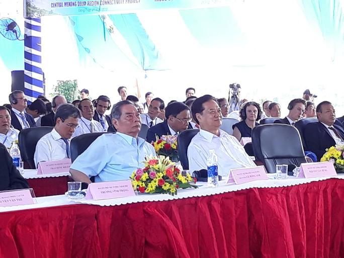Nguyên Thủ tướng Nguyễn Tấn Dũng dự khánh thành cầu Cao Lãnh - Ảnh 5.