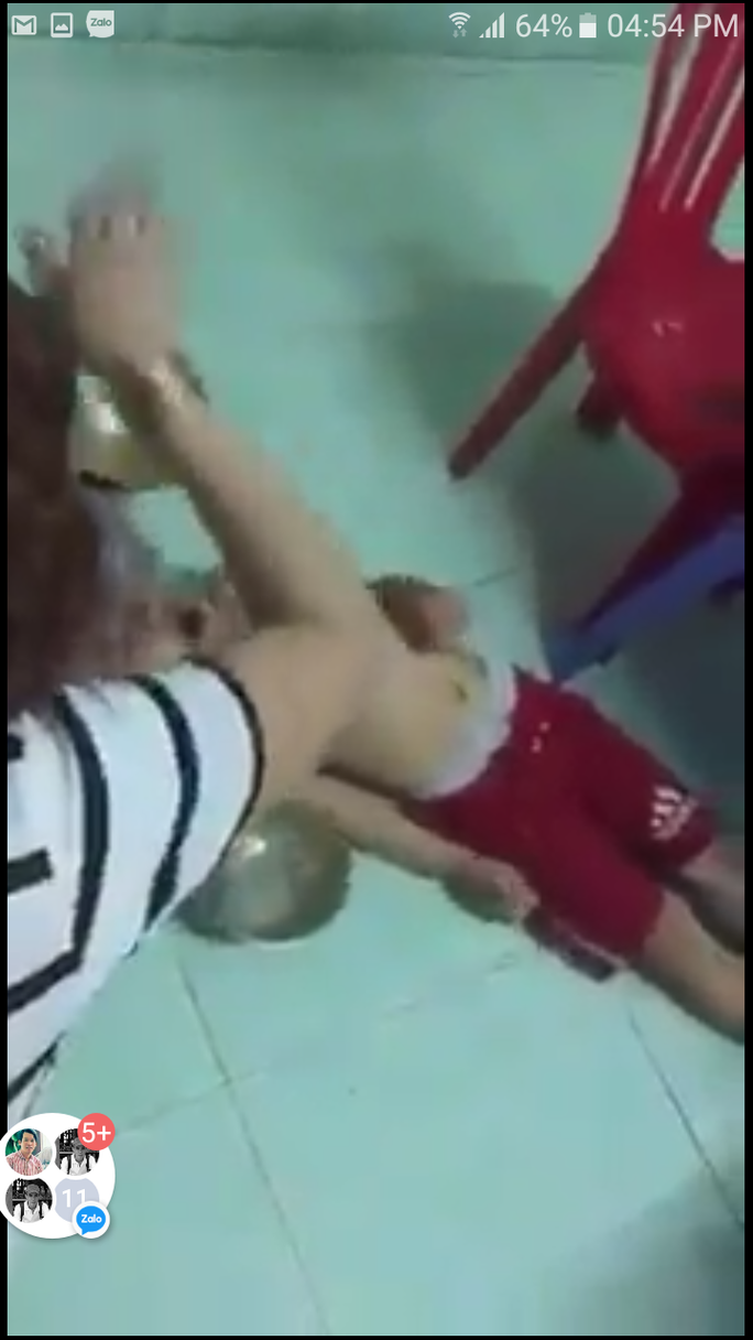 Khởi tố chủ nhóm trẻ Mẹ Mười bạo hành trẻ em ở Đà Nẵng - Ảnh 1.