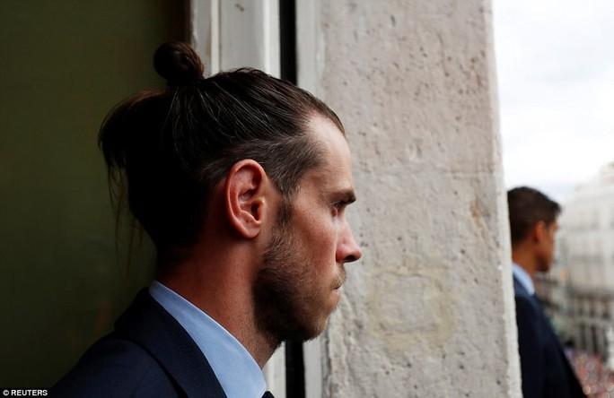 Người hùng Bale ở đâu ngày Real Madrid ca khúc khải hoàn? - Ảnh 7.