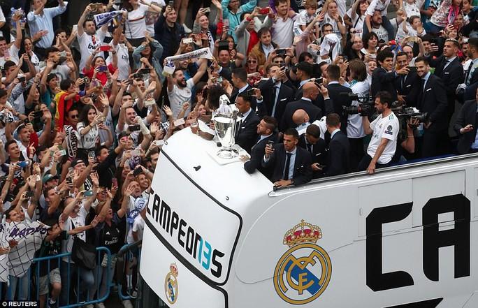 Người hùng Bale ở đâu ngày Real Madrid ca khúc khải hoàn? - Ảnh 12.