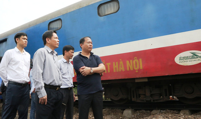 Bộ trưởng GTVT xin lỗi sau tai nạn đường sắt - Ảnh 1.