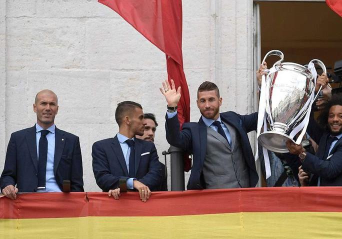 Người hùng Bale ở đâu ngày Real Madrid ca khúc khải hoàn? - Ảnh 4.