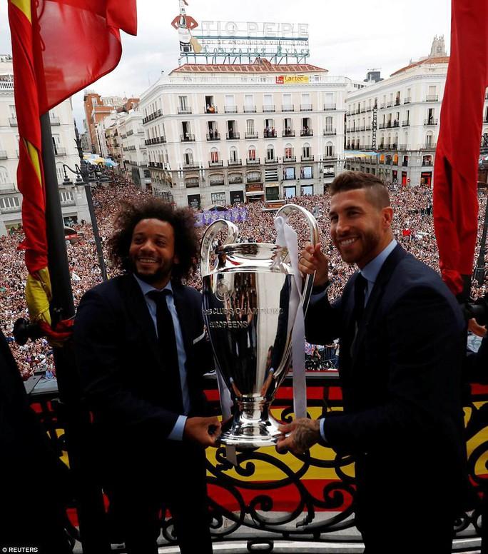 Người hùng Bale ở đâu ngày Real Madrid ca khúc khải hoàn? - Ảnh 5.