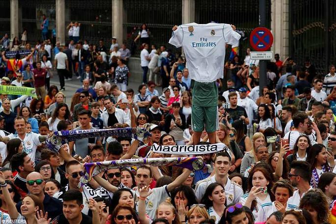 Người hùng Bale ở đâu ngày Real Madrid ca khúc khải hoàn? - Ảnh 9.