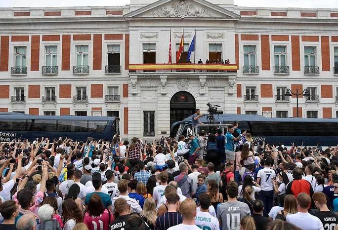 Người hùng Bale ở đâu ngày Real Madrid ca khúc khải hoàn? - Ảnh 8.