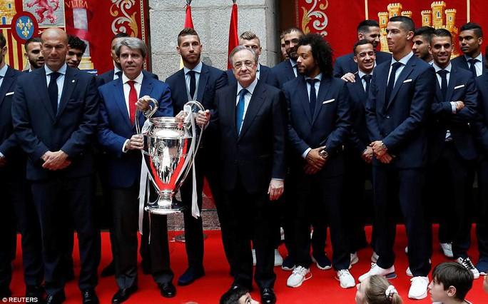 Người hùng Bale ở đâu ngày Real Madrid ca khúc khải hoàn? - Ảnh 3.