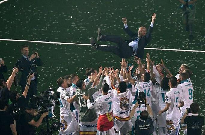 Báo chí thế giới ngỡ ngàng ngày Zidane trở lại Real Madrid - Ảnh 2.