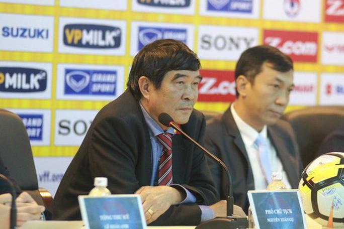 Ông Nguyễn Xuân Gụ từ chức Phó chủ tịch VFF, không ra tranh cử - Ảnh 1.