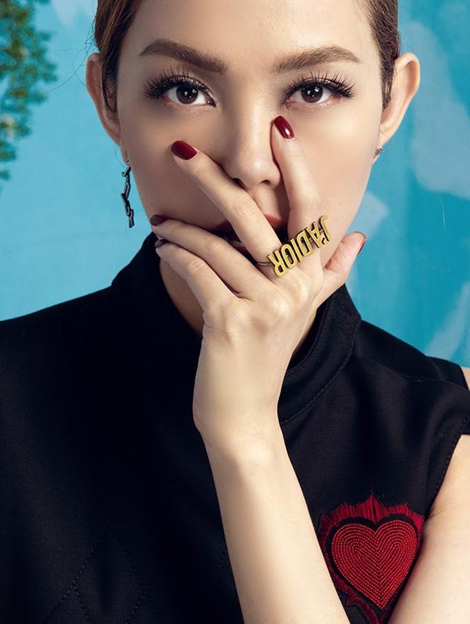 Minh Hằng làm giám khảo The Face 2018 gây tranh cãi - Ảnh 1.