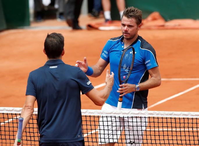Wawrinka thua sốc, Djokovic lập kỷ lục - Ảnh 5.