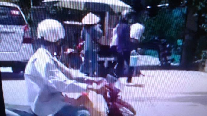 """Tài xế taxi đánh nhau với """"luật gia"""" ở Phú Quốc lên tiếng - Ảnh 7."""