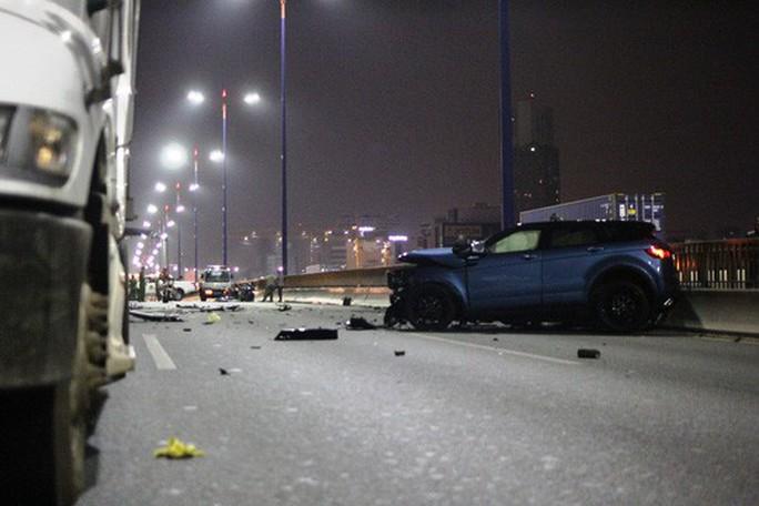 Bất ngờ vụ xe sang Range Rover gây tai nạn kinh hoàng trên cầu Sài Gòn - Ảnh 1.