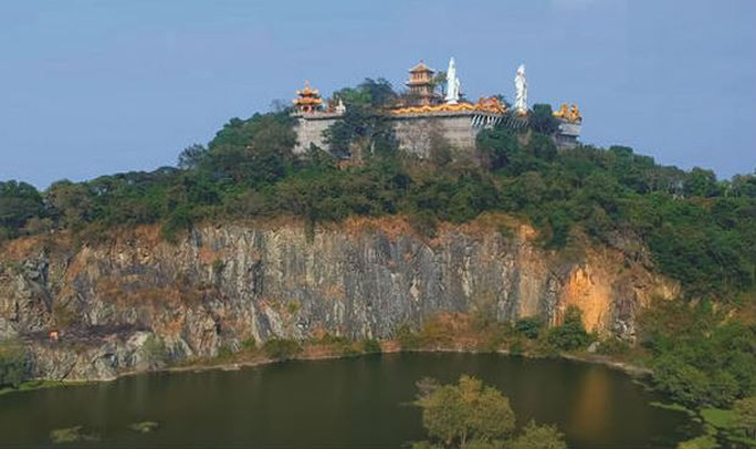 Nhiều chuyện bí hiểm ở chùa Châu Thới - Ảnh 1.