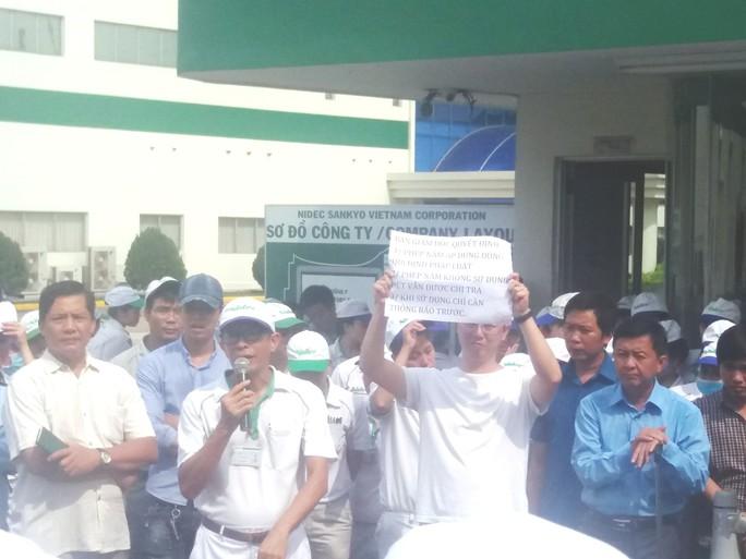 Gần 1.000 công nhân Công ty TNHH Nidec Sankyo Việt Nam ngừng việc - Ảnh 1.