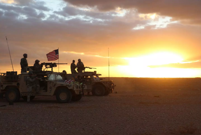 Mỹ xem xét dỡ bỏ căn cứ quân sự ở Syria - Ảnh 1.