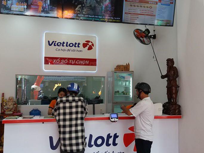 Sức mua vé số Vietlott chững lại, doanh số giảm mạnh - Ảnh 1.