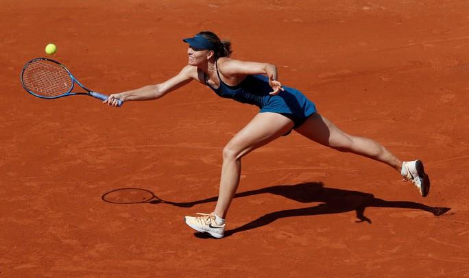 Clip Roland Garros 2018: Sharapova thắng nhọc, Serena hóa người mèo - Ảnh 1.
