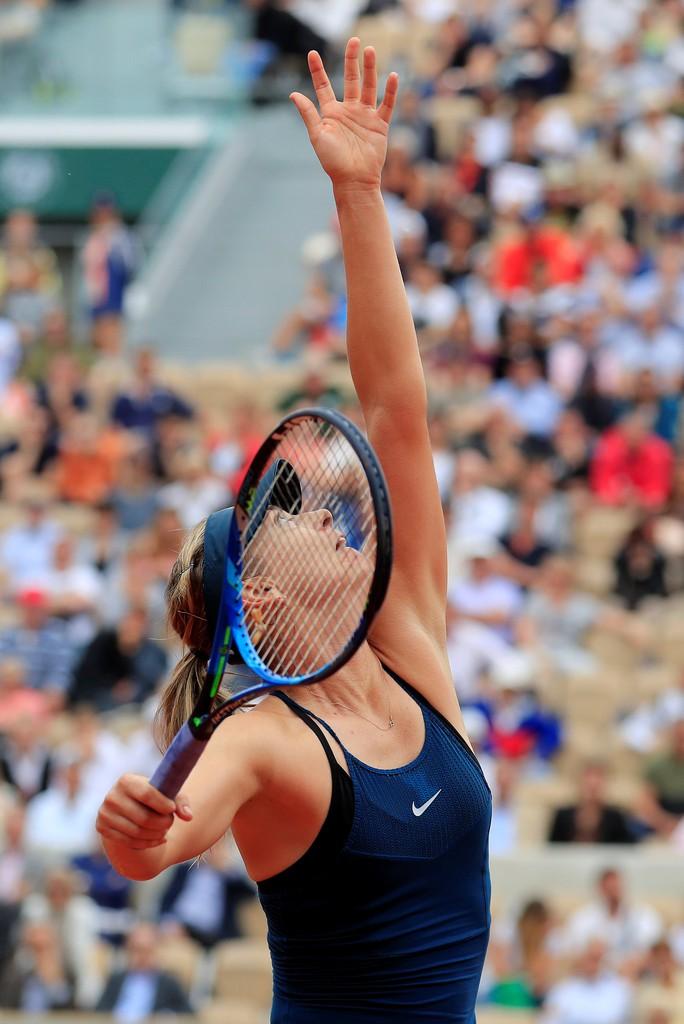 Clip Roland Garros 2018: Sharapova thắng nhọc, Serena hóa người mèo - Ảnh 2.