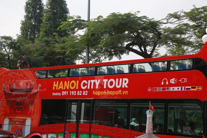 300.000-650.000 đồng để trải nghiệm, ngắm Hà Nội từ trên xe buýt 2 tầng - Ảnh 5.