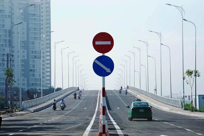 TP HCM: Cầu qua đảo Kim Cương chính thức thông xe - Ảnh 4.