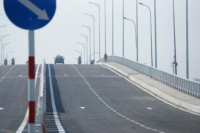 TP HCM: Cầu qua đảo Kim Cương chính thức thông xe - Ảnh 2.