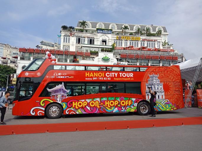300.000-650.000 đồng để trải nghiệm, ngắm Hà Nội từ trên xe buýt 2 tầng - Ảnh 9.