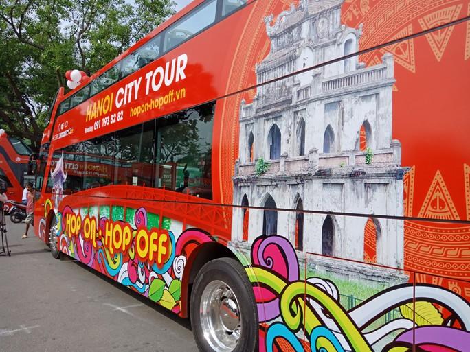 300.000-650.000 đồng để trải nghiệm, ngắm Hà Nội từ trên xe buýt 2 tầng - Ảnh 10.